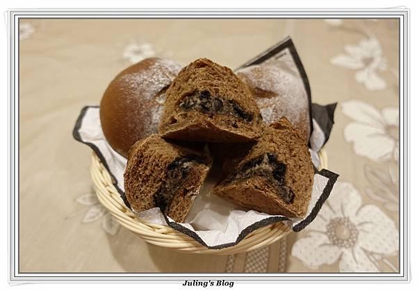 oreo乳酪夾心香蕉巧克力麵包2.JPG