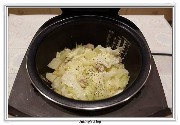 奶香洋芋高麗菜鍋做法13.JPG