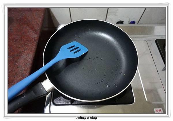 發麵薄餅(蔥蛋、芝麻)做法13.JPG