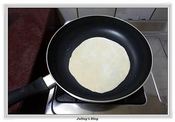 發麵薄餅(蔥蛋、芝麻)做法15.JPG