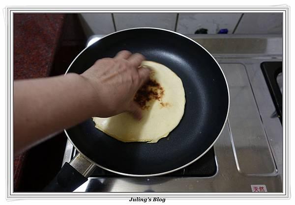 發麵薄餅(蔥蛋、芝麻)做法19.JPG