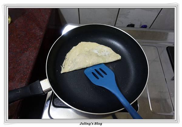 發麵薄餅(蔥蛋、芝麻)做法26.JPG