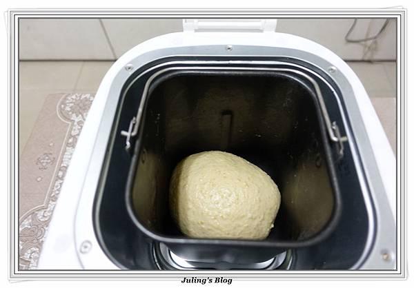 小米甜甜圈做法9.JPG