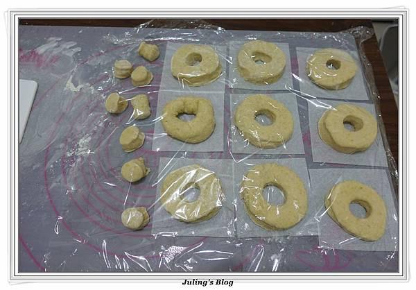 小米甜甜圈做法17.JPG