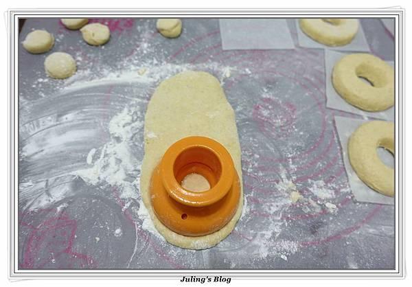 小米麻糬甜甜圈做法9.JPG
