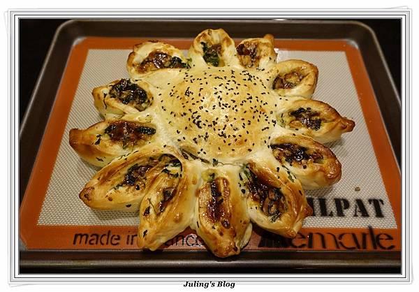 蘑菇菠菜蛋披薩做法25.JPG
