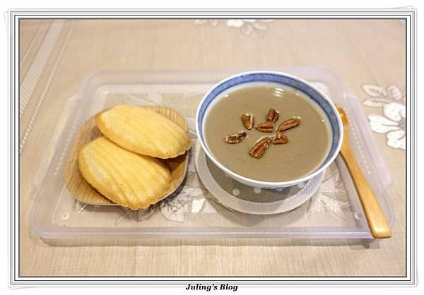 綠豆薏仁漿2.JPG