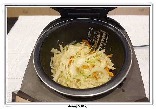 奶香洋蔥馬鈴薯8.JPG