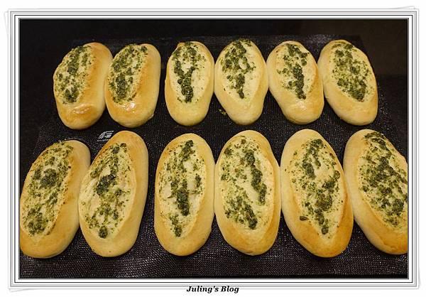 香菜蒜味麵包做法23.JPG