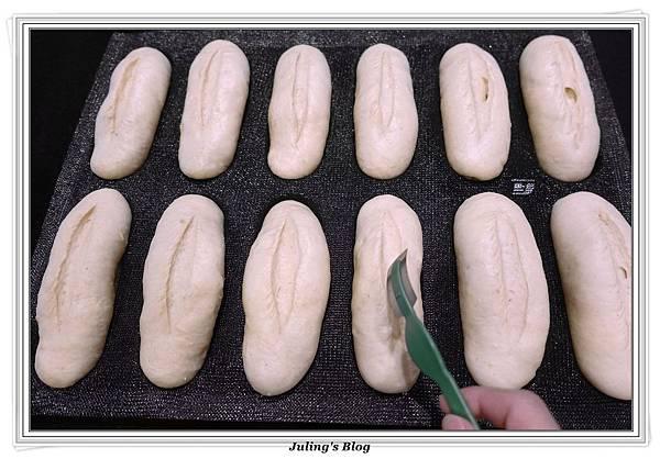 香菜蒜味麵包做法19.JPG