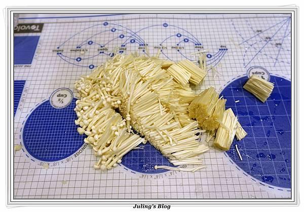 金針菇蝦仁羹做法5.JPG
