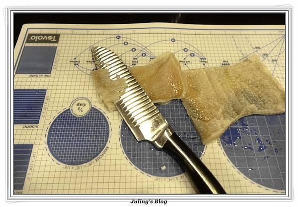 黃金豬皮凍做法2.JPG