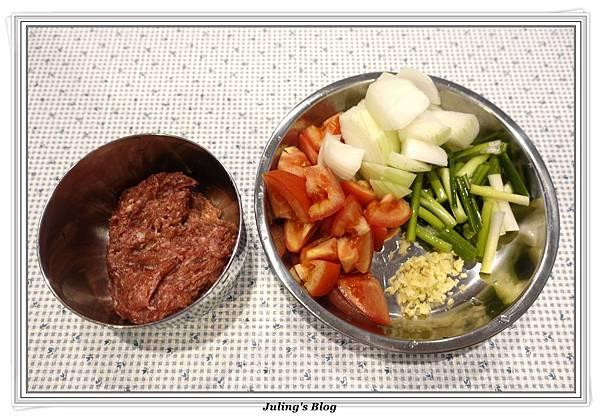 蕃茄牛肉丸燒豆腐做法4.JPG