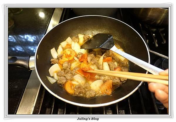 蕃茄牛肉丸燒豆腐做法10.JPG
