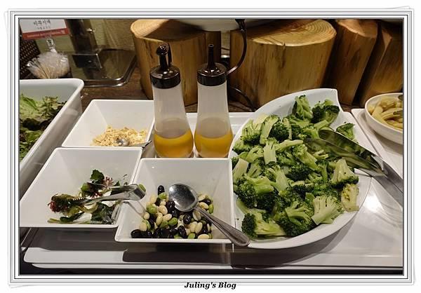 D8Japanese hotpot dining9.JPG