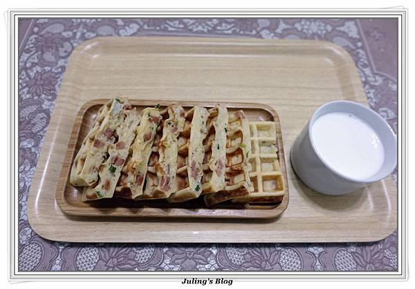 鹹香洋芋鬆餅2.JPG