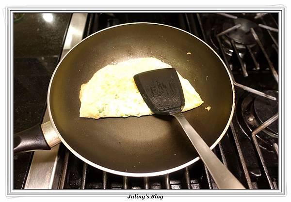 自製蛋餅做法12.JPG