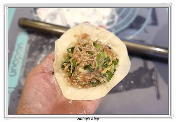 韭菜水煎包做法12.JPG