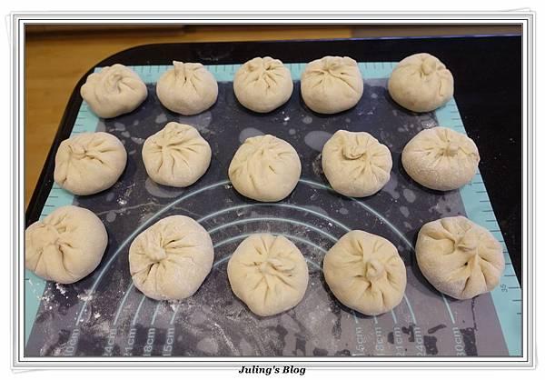 韭菜水煎包做法13.JPG