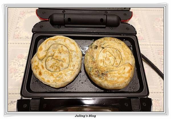韭菜餡餅做法25.JPG
