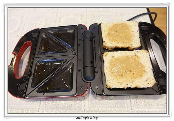 爆漿三明治%26;土司邊做高麗煎餅做法5.JPG