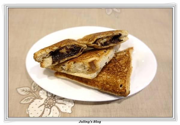 爆漿三明治%26;土司邊做高麗煎餅做法11.JPG