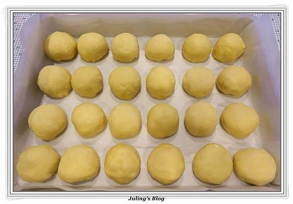 豆奶黃餐包做法18.JPG