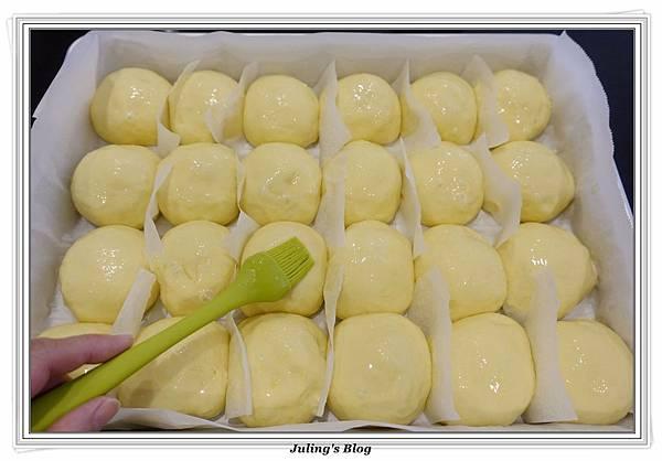 豆奶黃餐包做法20.JPG