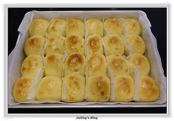 豆奶黃餐包做法21.JPG