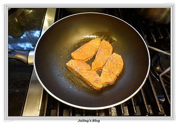 奶油醬燒鮭魚做法2.JPG