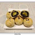 菠蘿蛋黃酥1.JPG