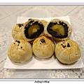 菠蘿蛋黃酥2.JPG