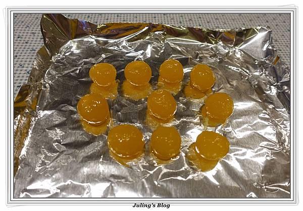 菠蘿蛋黃酥做法1.JPG