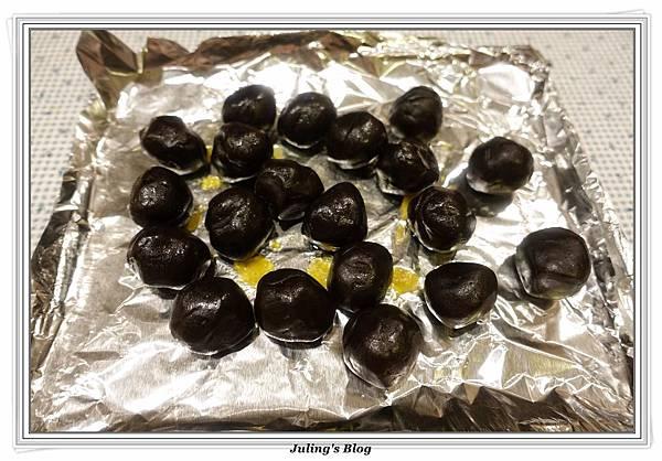 菠蘿蛋黃酥做法4.JPG