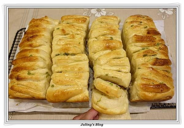 蒜香手撕麵包1.JPG