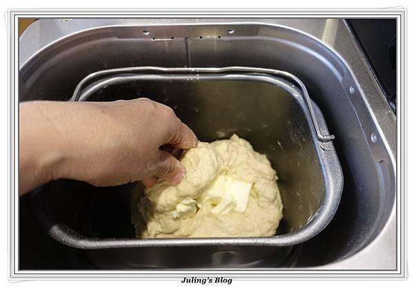 蒜香手撕麵包做法2.JPG