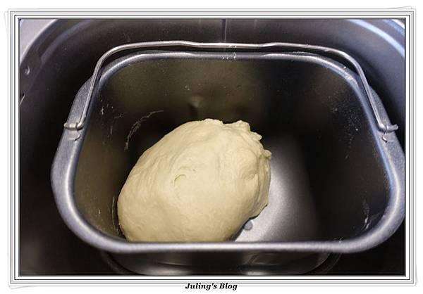 蒜香手撕麵包做法3.JPG