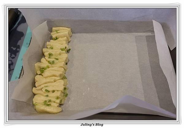 蒜香手撕麵包做法15.JPG