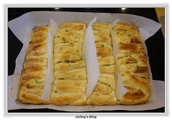 蒜香手撕麵包做法20.JPG
