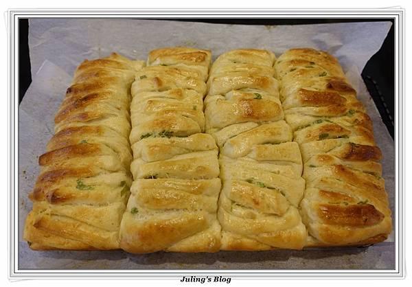 蒜香手撕麵包做法21.JPG