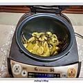 酸菜炒麵腸做法5.jpg
