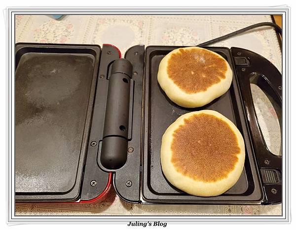 雞蛋發麵餅做法16.jpg