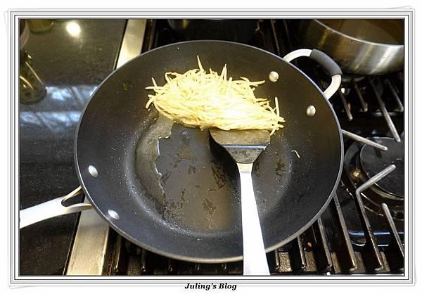 韭菜豆芽蛋捲做法3.JPG