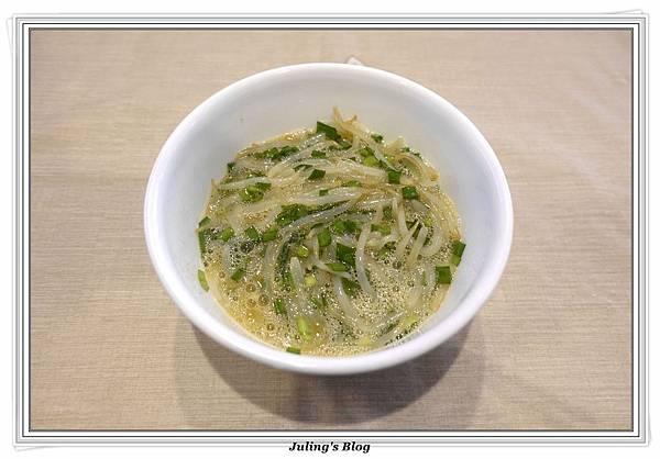 韭菜豆芽蛋捲做法5.JPG