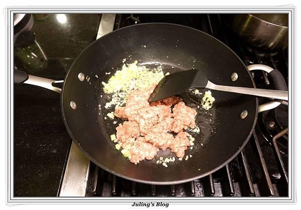 鹹蛋肉末蒸芋絲做法4.JPG