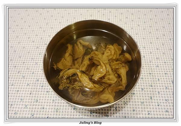 福菜滷筍絲做法2.JPG