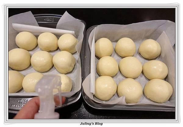 奶油乳酪餐包(奶黃餡)做法14.JPG
