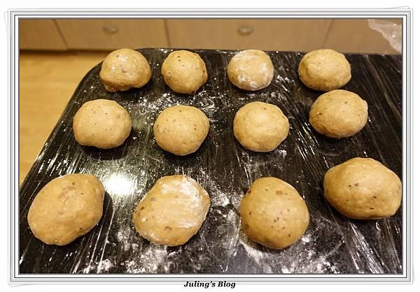 紅棗黑糖麵包做法10.JPG
