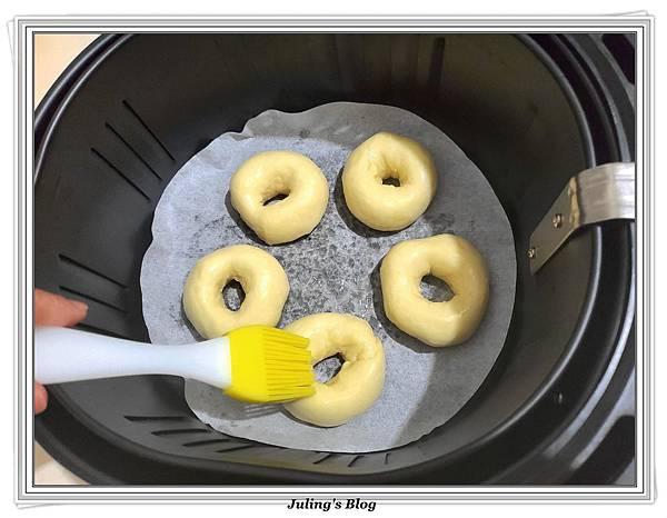 氣炸鮮奶甜甜圈做法16.jpg