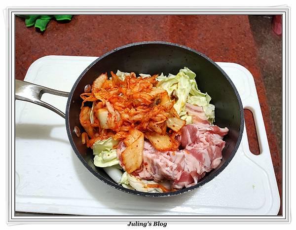 用氣炸鍋做韓式泡菜炒年糕做法4.jpg